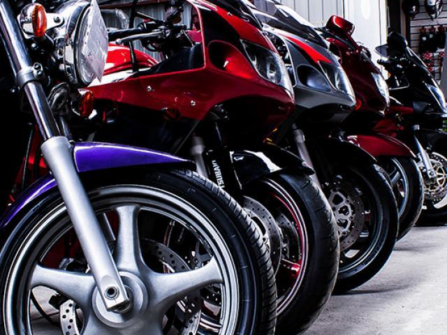 Bienvenue sur le site internet de DENIS MOTOS SERVICES, garage à Suresnes